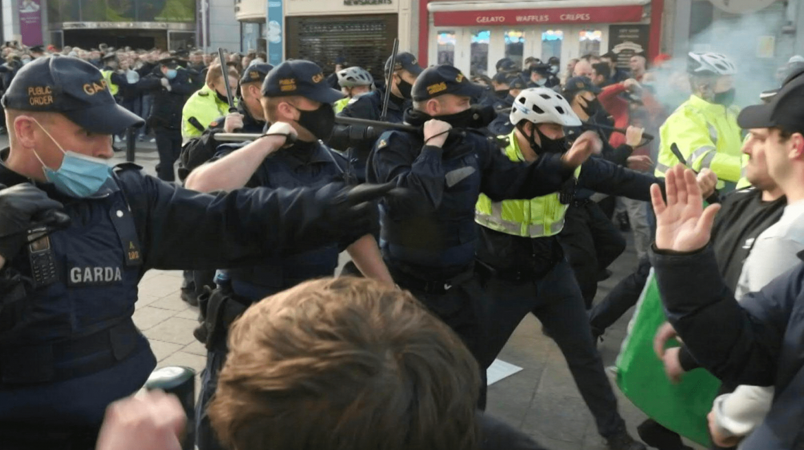Ireland: protesters clash with police as anti-lockdown demonstrations heat up