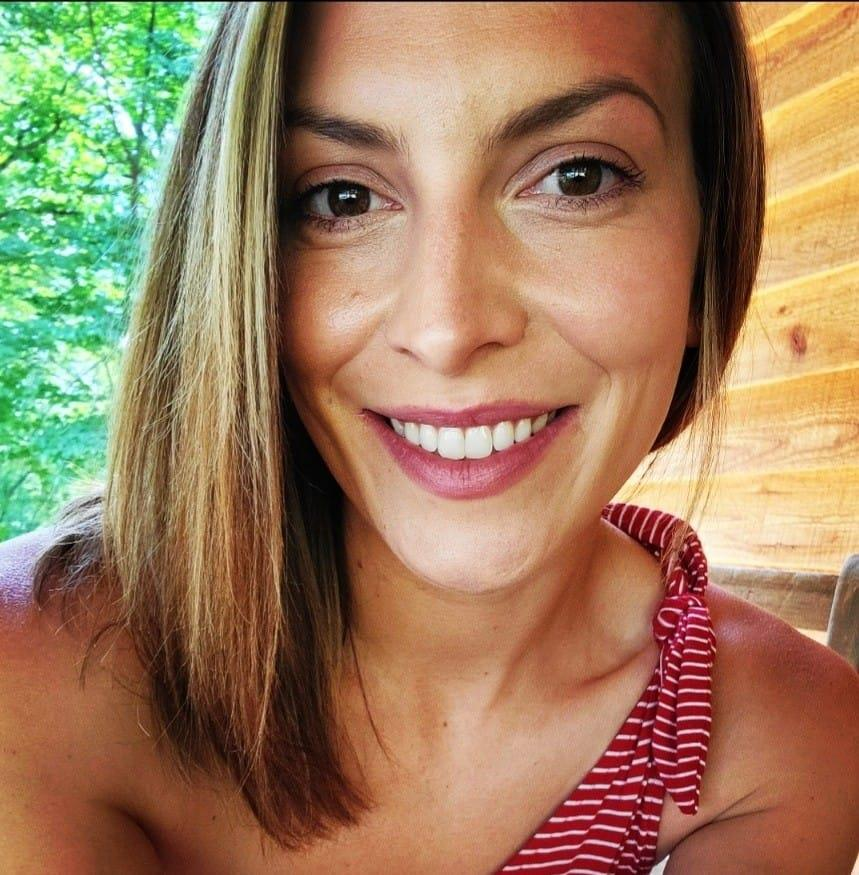 Lindsey Reeves: Virginia woman suffers anaphylactic shock eight hours after first Pfizer mRNA injection, relentlessly attacked by vaxx zealots for reporting it on Facebook